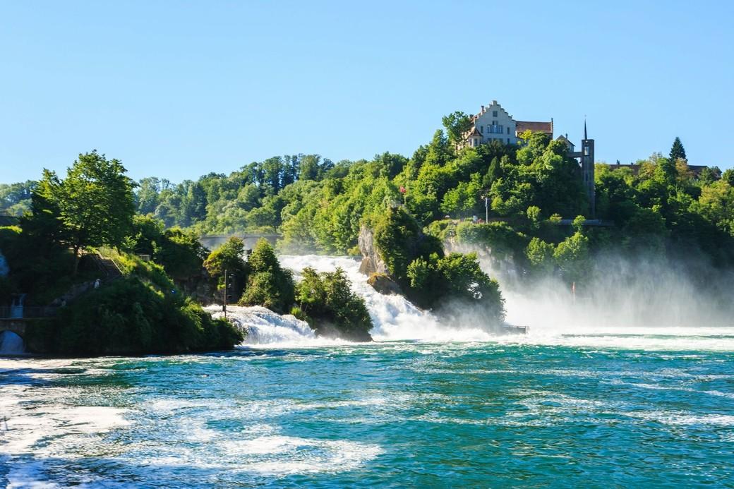 Заезд на Рейнский водопад