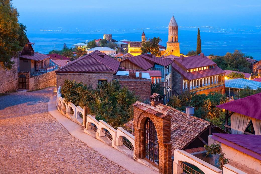 Поездка в «Кахетию*:  Сигнахи — Монастырь Бодбе — Цинандали - Грузинский винный завод»