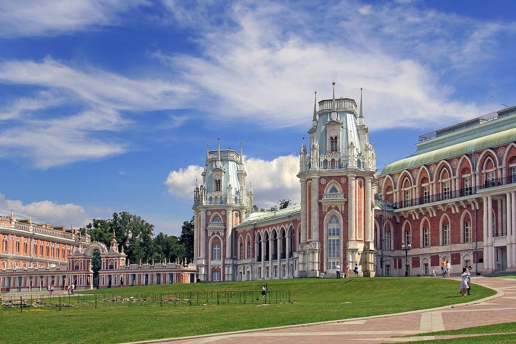 Экскурсия по Царицынскому парку