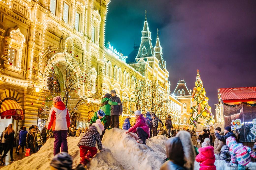 Обзорная автобусно-пешеходная экскурсия по Москве